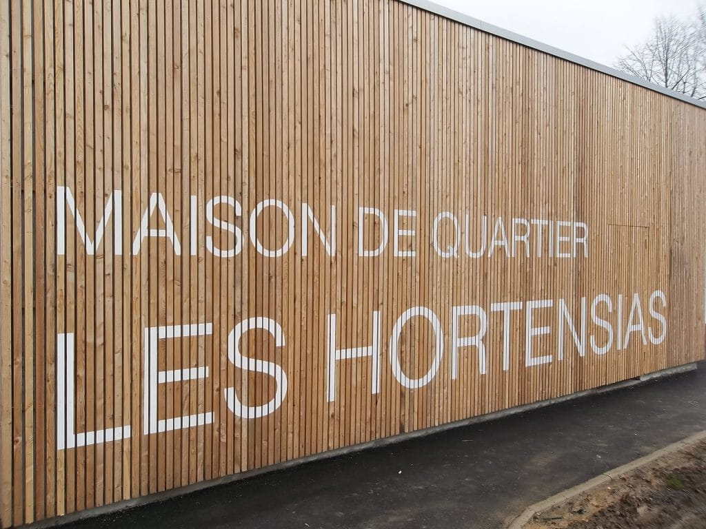 Peinture sur bois - Maison de quartier Les Hortensias / Hautmont