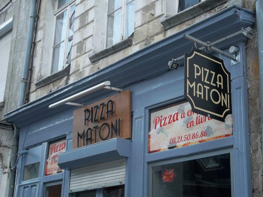 Lettres Découpées en Dibond - Pizza Matoni / Arras
