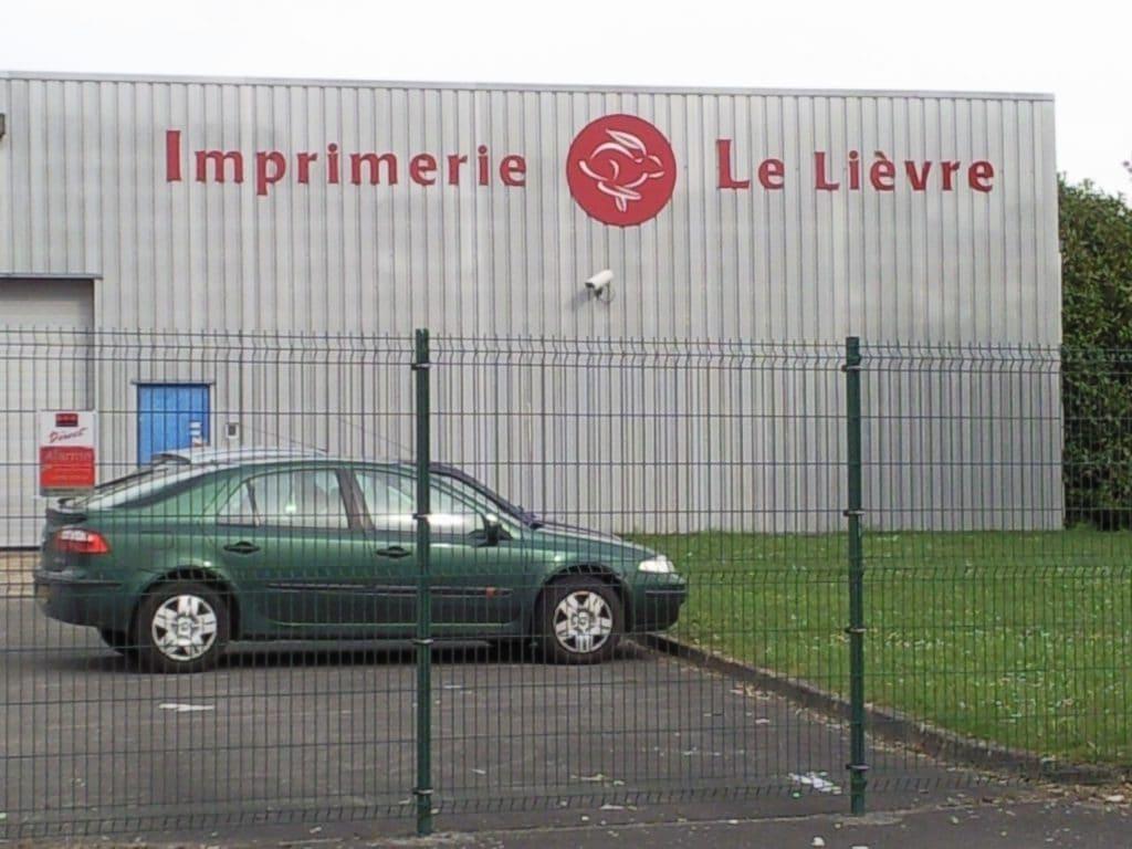 Lettres découpées en Dibond - Imprimerie Le Lièvre / Caudry