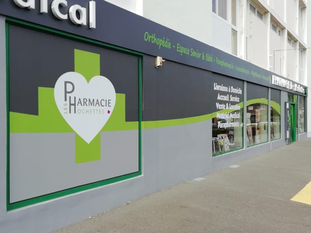 Impression numérique sur adhésif colle renforcé - Pharmacie Les Hochettes / Arras