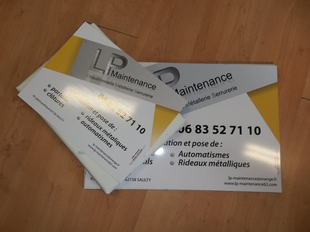 Plaquette en Akilux pour présentation d'entreprise en impression direct - LP Maintenance / Saulty