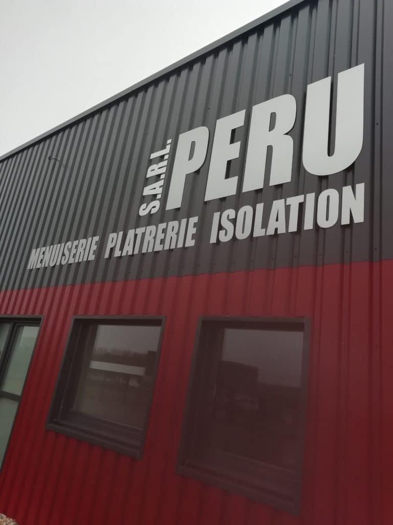 Lettres découpées en Aluminium brossé - SARL PERU - Thélus